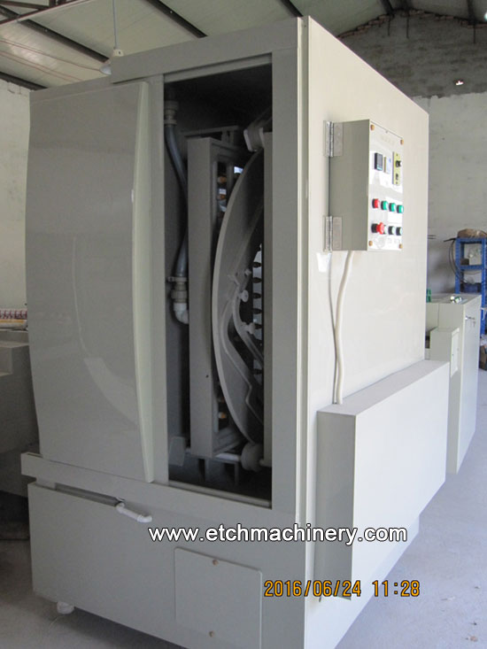 Vertical spray Etching Machine